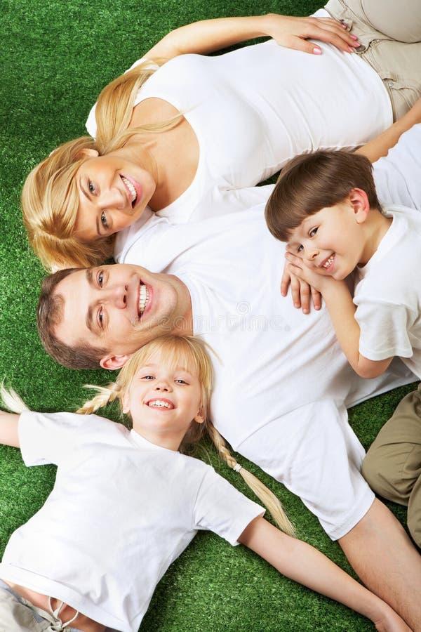 vila för familj arkivbild