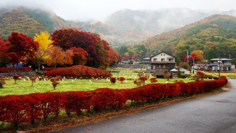 vila japonesa perto do corredor do bordo, Kawaguchiko imagens de stock