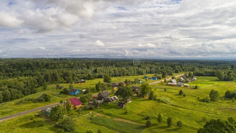 Vila na floresta fotos de stock royalty free