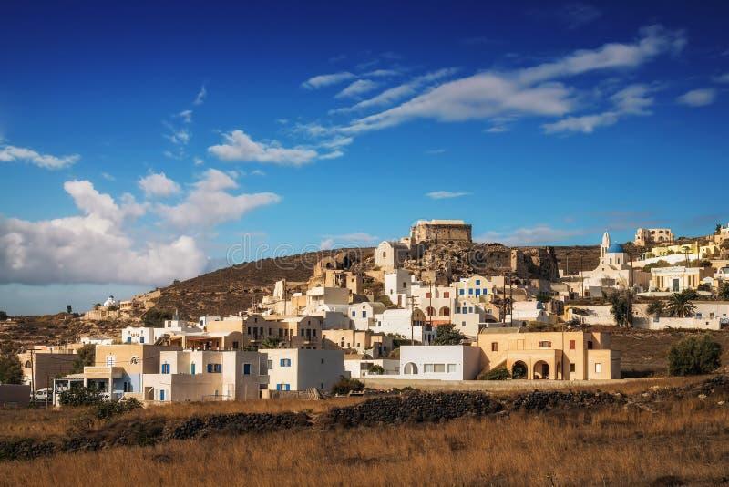 Vila na luz da manhã, ilha de Akrotiri de Santorini foto de stock