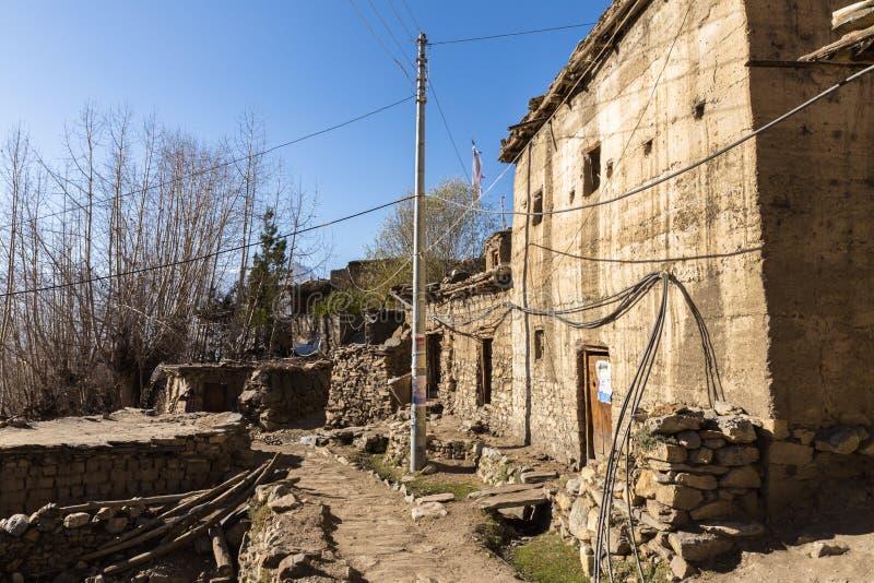 Vila nepalesa tradicional Jhong, Himalayas, região do mustang fotos de stock