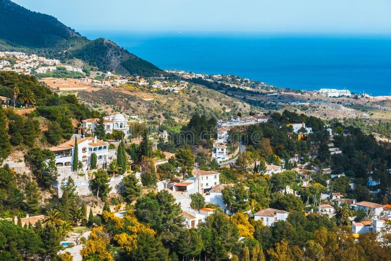 Vila no dia ensolarado, Costa del Sol de Mijas, a Andaluzia, Espanha fotografia de stock royalty free