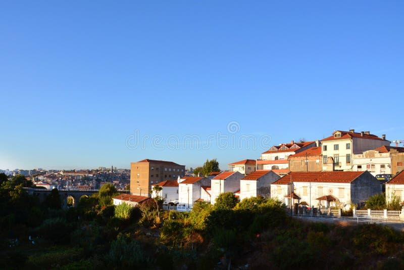 Vila Nova de Gaia, Portugal - arquitetura urbana em uma rua da cidade imagens de stock
