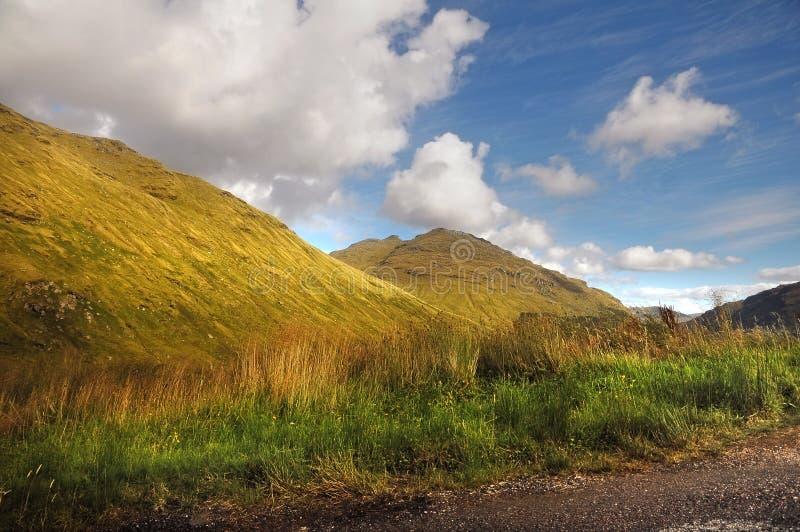 Vila och var det tacksamma berglandskapet arkivbild