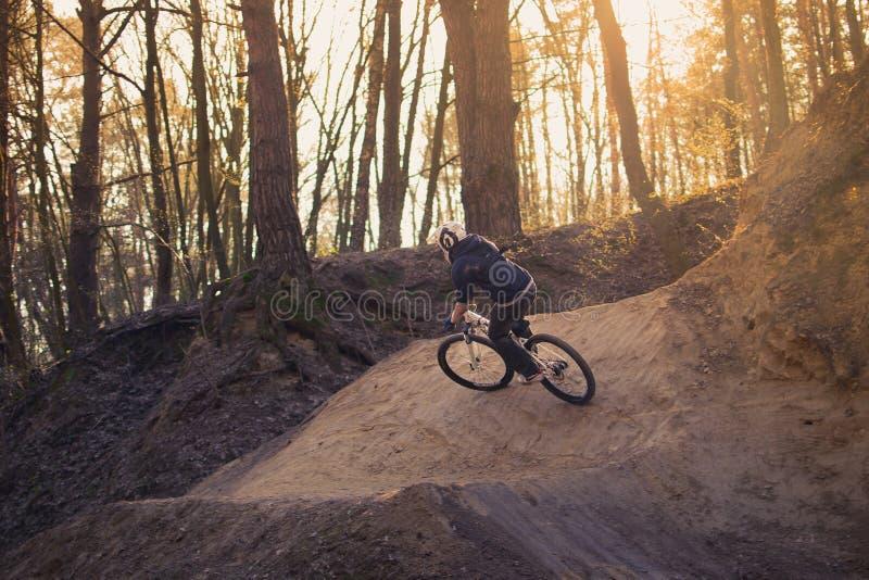 Vila på cykeln arkivfoto