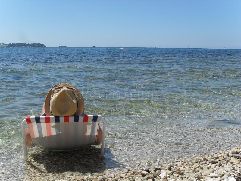 Vila på kusten av Adriatiska havet fotografering för bildbyråer