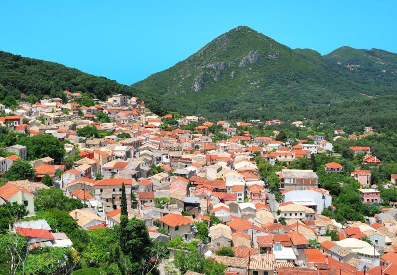 Vila pequena com arquitetura meditteranean imagens de stock royalty free