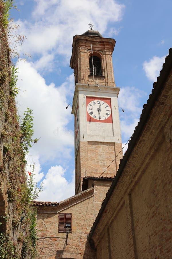 Vila pequena de Guarene em Piedmont Italy imagem de stock royalty free