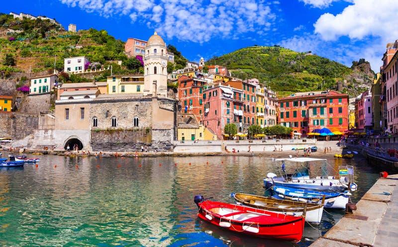 Vila pitoresca de Vernazza, Cinque Terre, Liguria, Itália imagem de stock royalty free