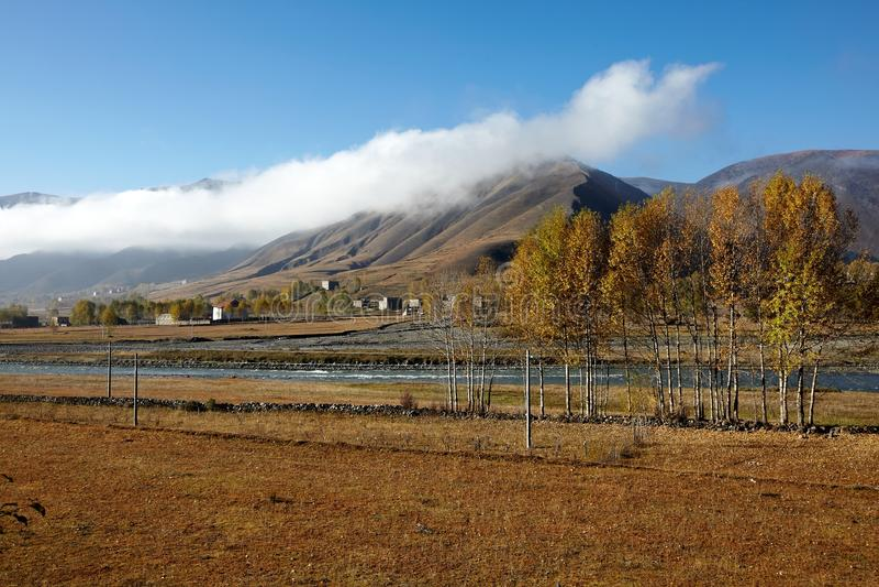 Vila tibetana foto de stock royalty free