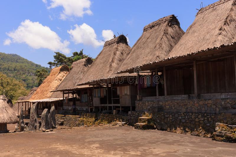Vila tradicional de Bena, perto de Bajawa, Flores, Indonésia fotografia de stock