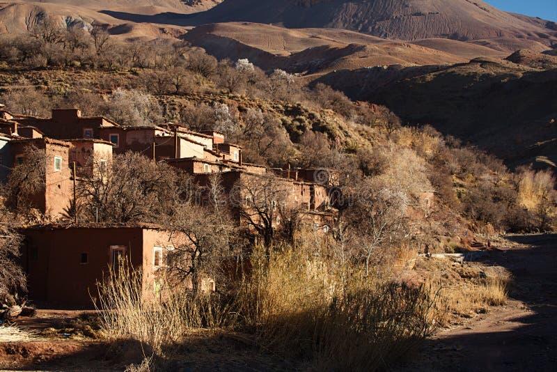 Vila tradicional dos berbers no atlas alto imagens de stock royalty free