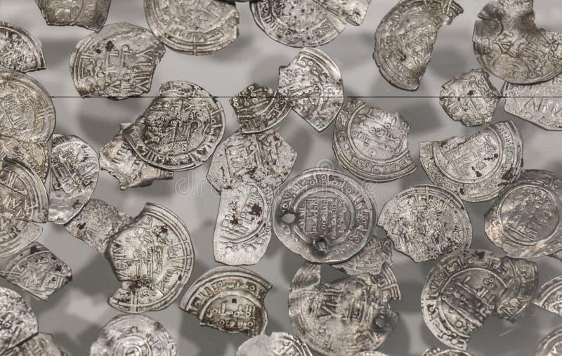 Vilaplana Hoard Caliphal okresu srebne monety i frakcje obrazy stock