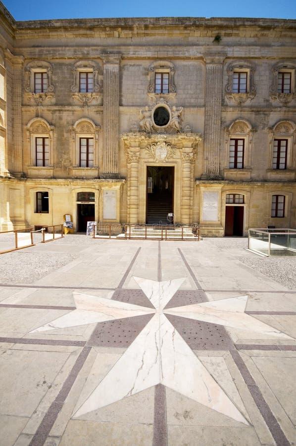 vilhena för slott för borggårdkorsmalta maltese mdina royaltyfria foton