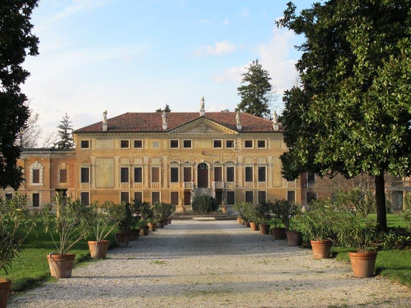 Download Villa Bissari Curti. Vicenza, Italië Stock Afbeelding - Afbeelding bestaande uit architectuur, kleur: 39109397