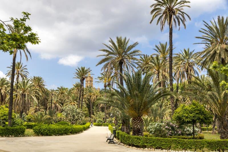Villa Bonanno, offentlig trädgård i Palermo, Sicilien, Italien royaltyfri foto