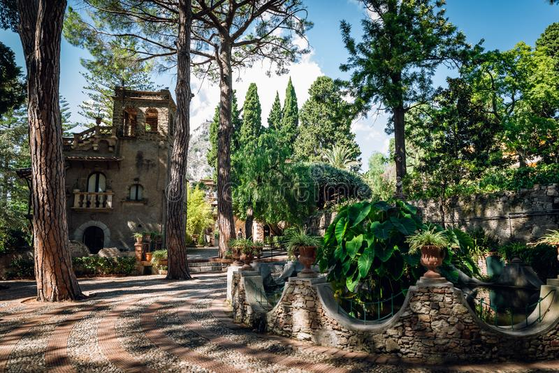 Villa Comunale Di Taormina Giardino pubblico della città di Taormina in Sicilia, Italia fotografie stock libere da diritti