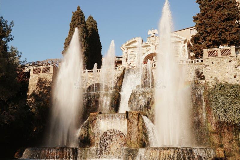 Villa D 'este en de waterdans stock foto's