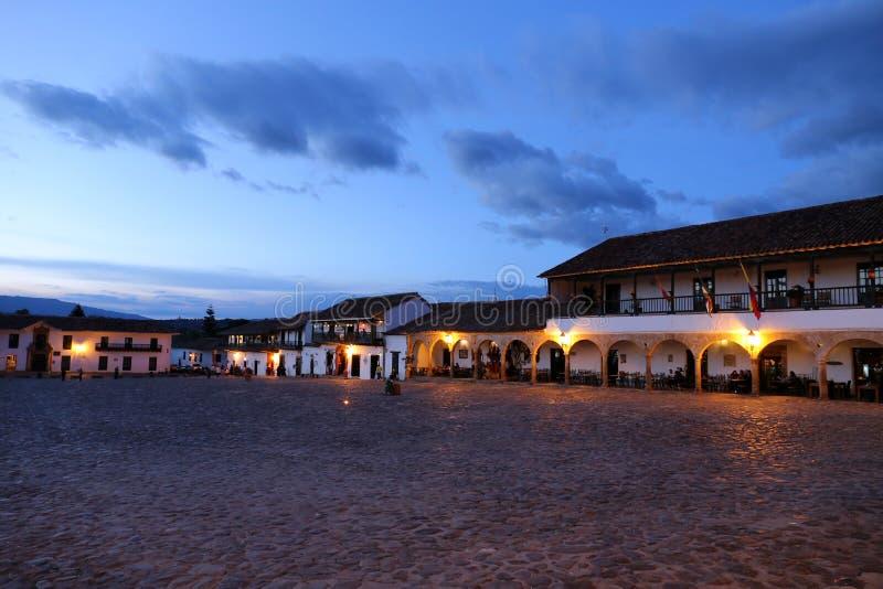 Villa DE Leyva hoofdvierkant bij nacht, Vierkant in Villa DE Leyva, Colombia - Sept. 2015 stock foto's