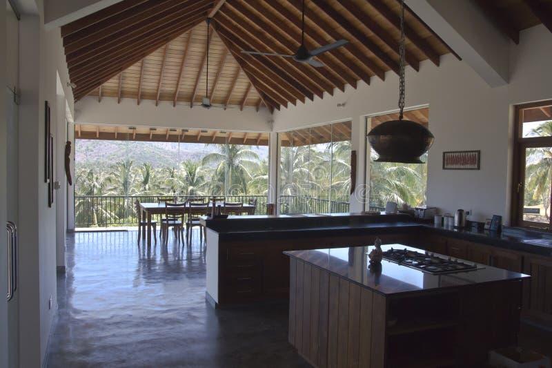 Villa de luxe dans une zone tropicale photo stock