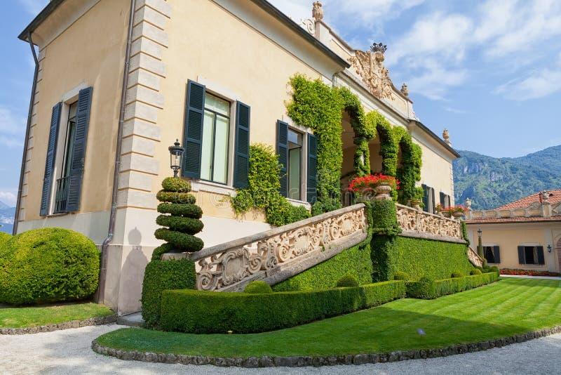 Villa del Balbianello på sjön Como, Lenno, Lombardia, Italien fotografering för bildbyråer