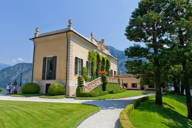 Villa del Balbianello på sjön Como, Lenno, Lombardia, Italien royaltyfri fotografi