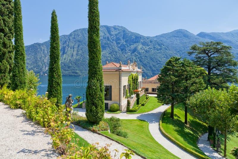 Villa del Balbianello på sjön Como, Lenno, Lombardia, Italien arkivbild