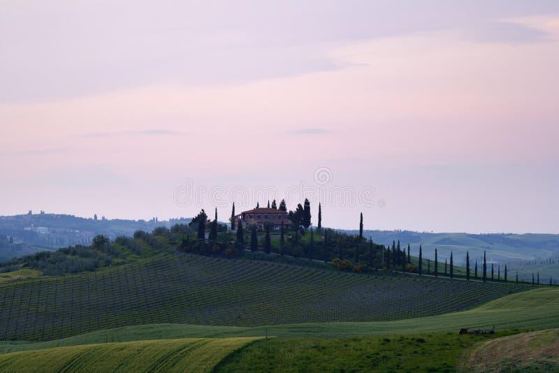Villa della Toscana al tramonto immagini stock