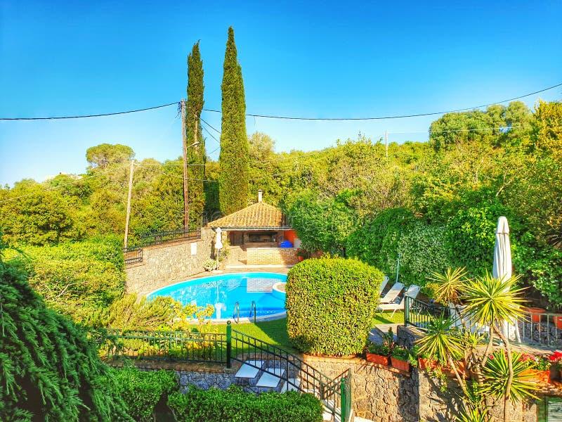 Villa et piscine de Corfou photos stock