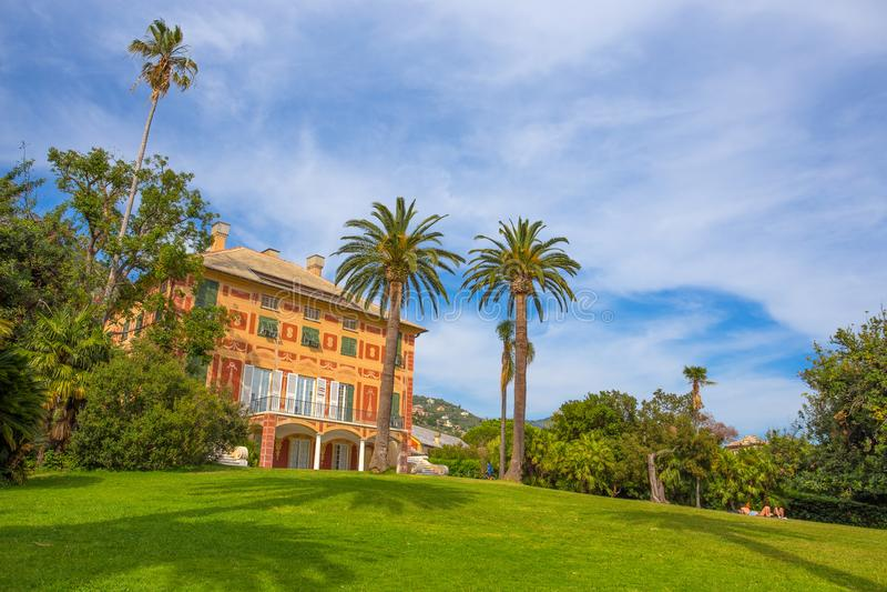 Villa Grimaldi Fassio i Genoa Nervi, inom Genoa Nervi Groppallo Park, Italien fotografering för bildbyråer
