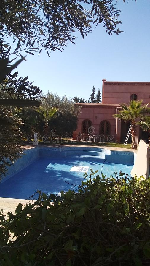 Villa i Marrakech arkivbilder