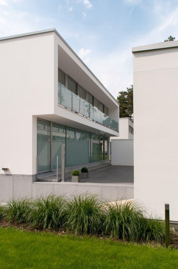 Villa moderna fotografie stock