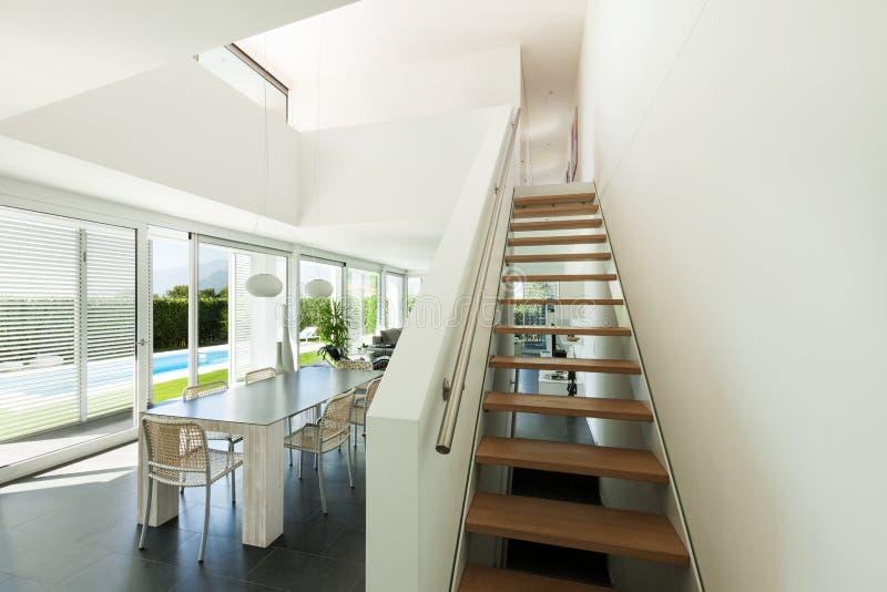 Villa moderna, interna immagine stock