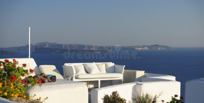 Villa på den Santorini ön royaltyfria bilder