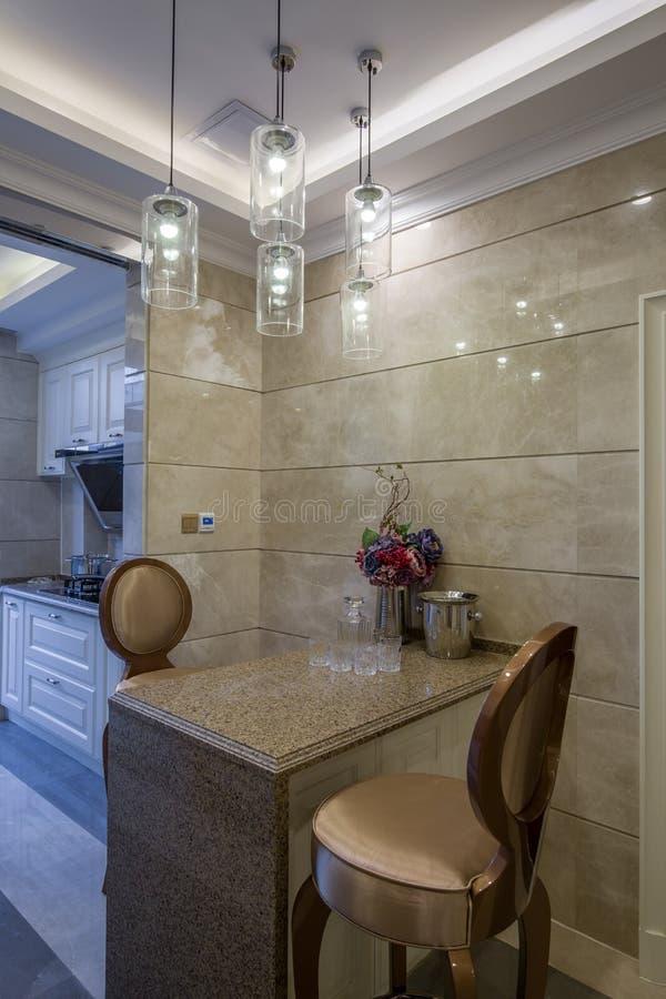 Villa potable de décoration de barre de cuisine à la maison intérieure de luxe moderne de conception photo libre de droits