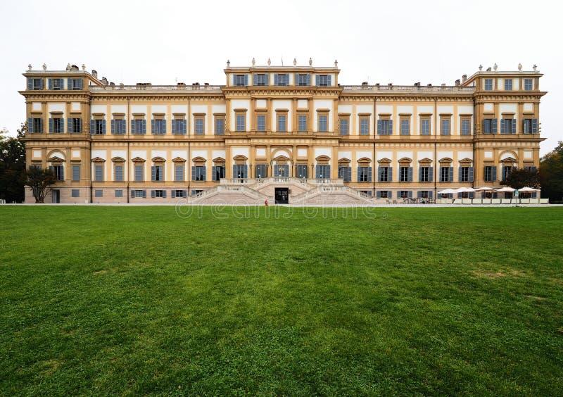 Villa Reale, Monza, Italia Villa Reale 01/10/2017 Giardini e parco reali di Monza Palazzo, costruzione neoclassica immagini stock