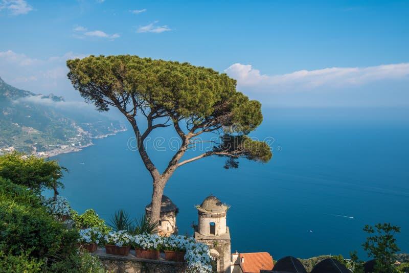 Villa Rufolo in Ravello-stad, Amalfi kust, Italië royalty-vrije stock foto's