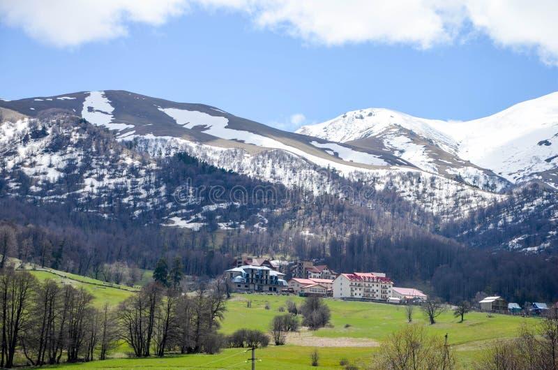 Villa's in de bergen royalty-vrije stock fotografie