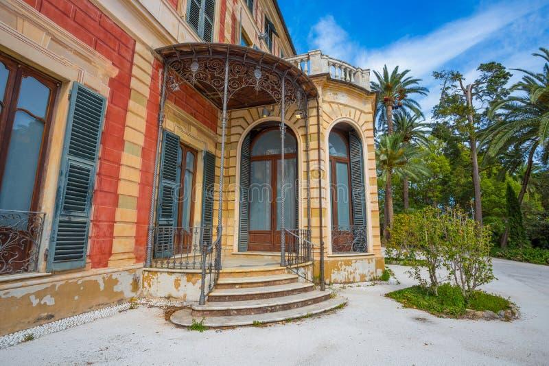 Villa Saluzzo Serra i Genoa Nervi, inom Genoa Nervi Groppallo Park, Italien royaltyfria foton