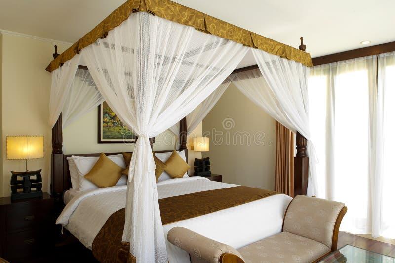 Villa tradizionale ed antica della camera da letto immagini stock