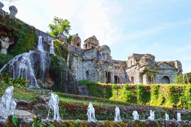 Villad'Este är en av de mest berömda italienska villorna av århundradet XVI italy royaltyfria foton