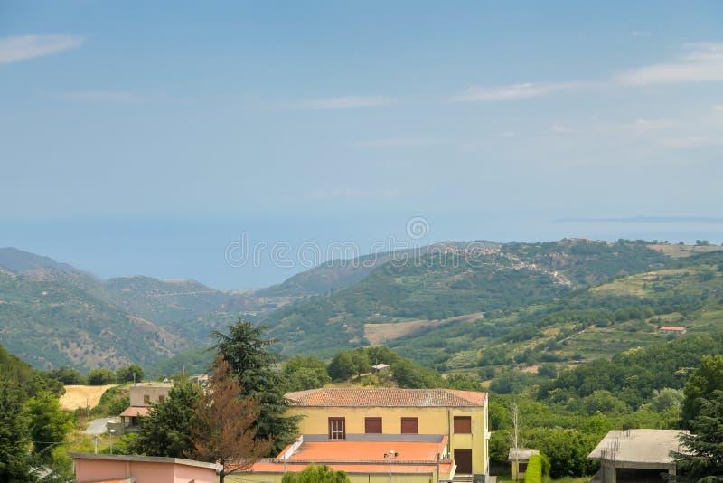 Village étrange en Sicile photos libres de droits
