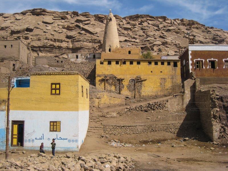 Village arabe près d'Aswan. l'Egypte photo stock