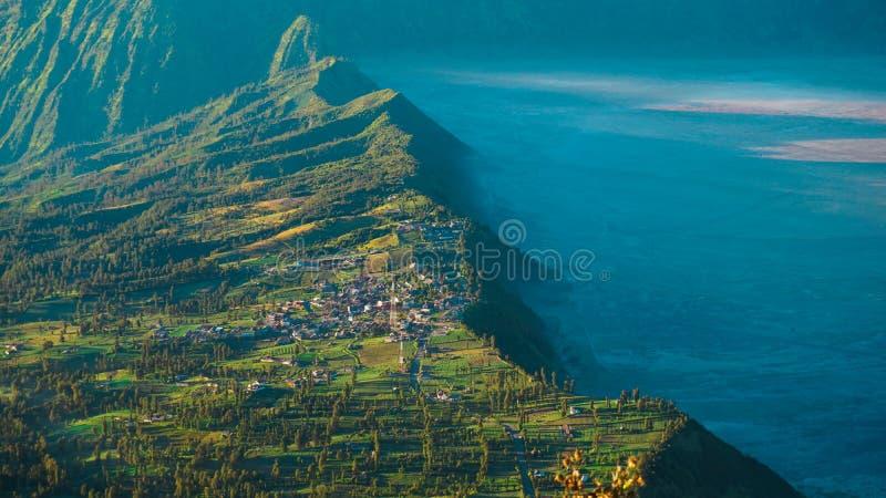 Village au-dessus de nuage images libres de droits