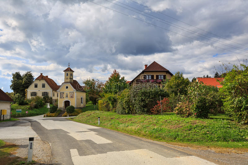 Village autrichien Perndorf en automne La Styrie, Autriche image libre de droits
