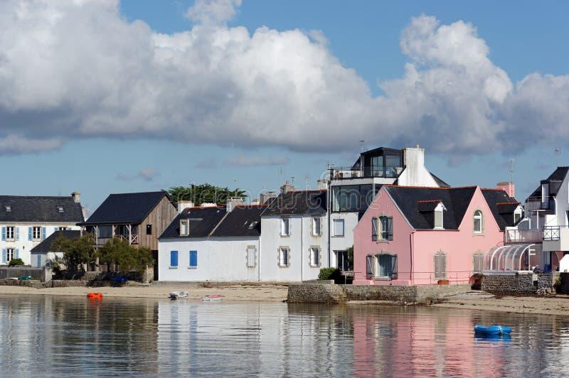 Village d'Ile-Tudy dans la côte de Finistere image libre de droits