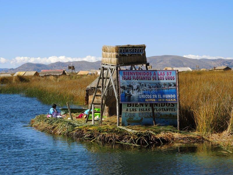 Download Village D'Uros Dans Puno, Pérou Image stock éditorial - Image du bleu, nature: 77158414