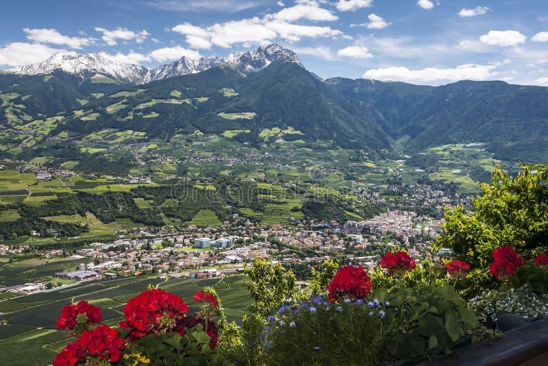 Village dans le Tirol du sud photographie stock