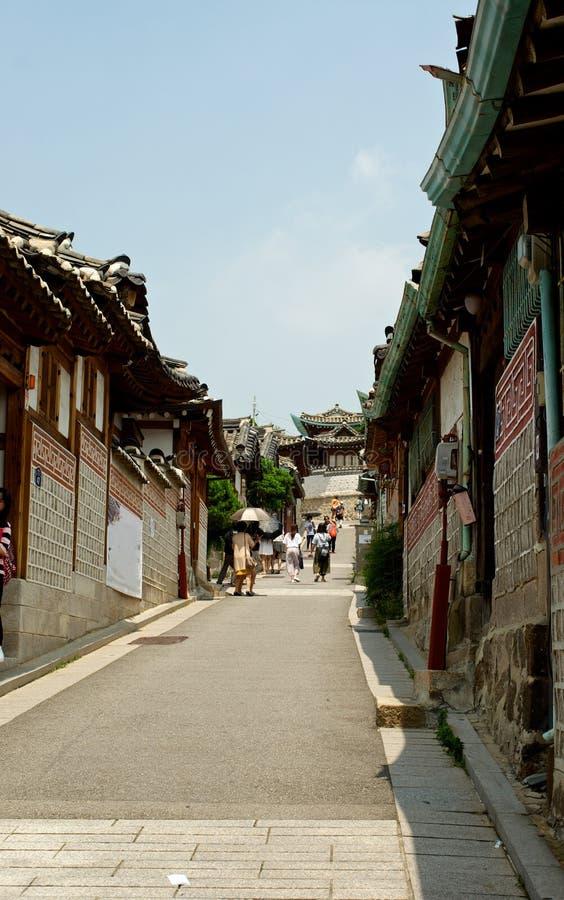 Village de Bukchon Hanok en été à Séoul images libres de droits