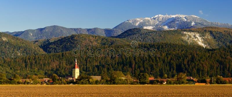 Village de Cristian et poiana brasov en Roumanie image libre de droits